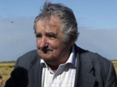 Mujica pidió más esfuerzo para siembra de trigo