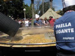 Uruguay deslumbró en la frontera con Paella Gigante