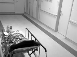 Medicare enfrenta denuncia de paciente por extorsión