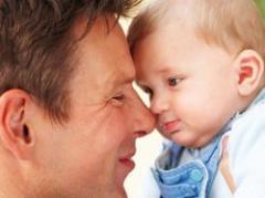 Paternidad baja en alto grado el nivel de testosterona