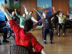 La estimulación cerebral puede mejorar el Parkinson