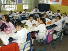 Escuelas reciben juegos para incentivar actividad física