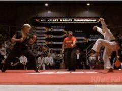 """Hizo la """"Grulla"""" de Karate Kid y la colgó del ángulo"""