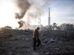 Israel vuelve a bombardear un centenar de objetivos en Gaza