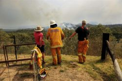 Incendios en Australia se cobran primera víctima mortal