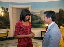 """Michelle Obama estrena nuevo """"look"""" por su cumpleaños"""