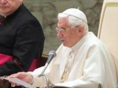 El papa publica su primer tuit en latín