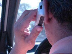 Firman convenio que prohíbe uso de celular en el trabajo