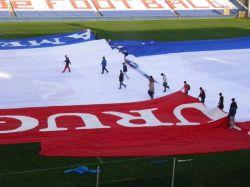 Nacional expectante por la clasificación y la bandera