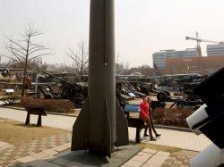 Corea del Norte carga dos misiles en lanzaderas móviles