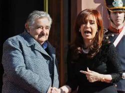 Kirchnerismo comenzó a criticar a Mujica públicamente