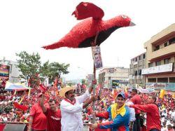 Chavistas colapsan Caracas en cierre de campaña de Maduro