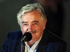 Mujica con sus ministros antes de ir a Brasil y Venezuela