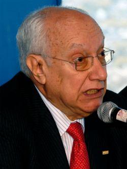 Edgardo Carvalho. Presidencia