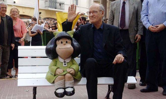 """En aniversario de Mafalda, Quino pide """"vivir en paz"""""""