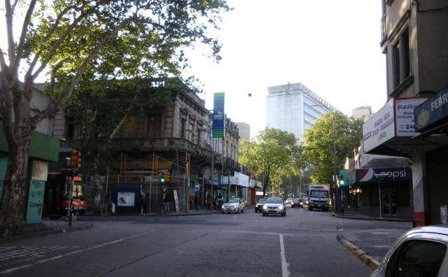 """Avenida Fernández Crespo, una de las calles """"feas"""" de Montevideo"""