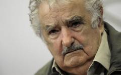 Mujica dice que puerto de aguas profundas depende de Dilma o Neves