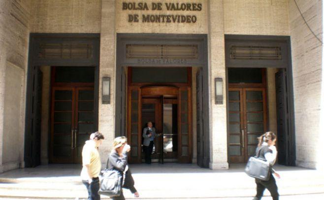 """Con nuevas medidas, la Bolsa de Valores pretende que """"los uruguayos puedan canalizar su ahorro a través de obras de infraestructura"""""""