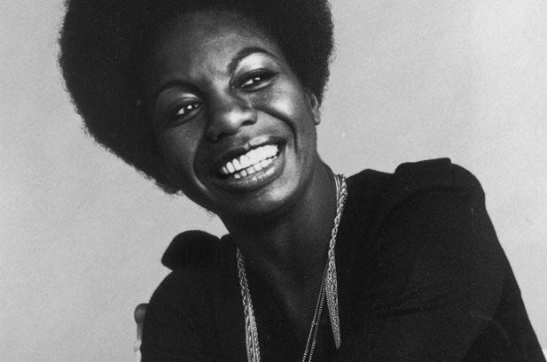 Lorrie Moore, sus historias de anti heroínas ambientadas por la potente voz de Nina Simone