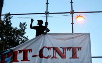 Mejora de salarios, eje de la primera reunión sindical con Vázquez