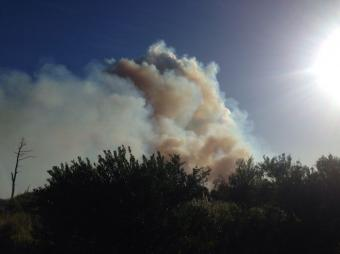 Gran incendio azota Punta del Diablo; por el momento no hay evacuados
