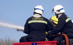 Bomberos sigue trabajando para extinguir fuego en Punta Ballena