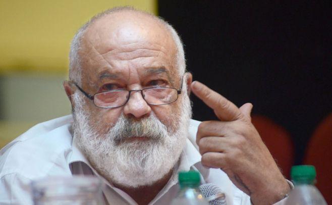 """Fernández Huidobro: los que hablan mal de las FFAA """"son enfermitos"""""""