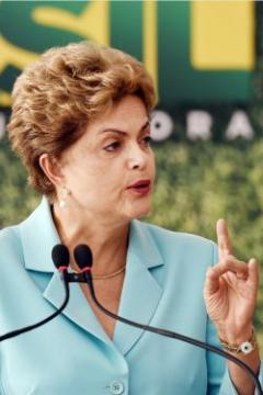 "Standard & Poor's rebajó la nota de Brasil a ""bono basura"""