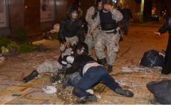Estudiantes sostienen que fueron agredidos por Policía en desalojo