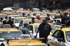 """Dip. Felipe Carballo: """"La solución es regular Uber"""""""