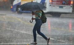 Pronostican lluvias hasta mayo; temor por inundaciones y mosquitos