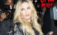 Revés judicial para Madonna: su hijo se queda con su padre