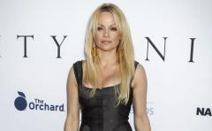 Anderson lamenta que Playboy ya no saque desnudos frontales