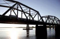 Gobierno preocupado por empresas que siguen contaminando el Santa Lucía