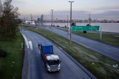 Abengoa construirá nueva terminal portuaria en Montevideo