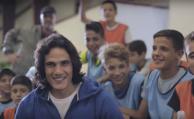 La sorpresa de Cavani a una escuela de fútbol infantil