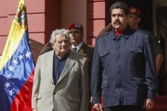 """Mujica: """"No debemos meternos"""" en problemas venezolanos"""