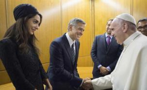 George Clooney participó de un congreso en el Vaticano