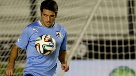 Se lesionó Lodeiro, ¿llegará para el debut ante México?