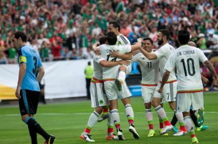 Uruguay perdió en el debut