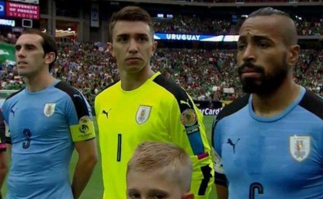 Se equivocaron con el himno y pusieron el de Chile