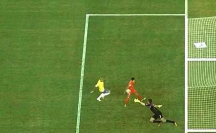 """De la """"mano"""" de Cunha, Perú eliminó a Brasil"""