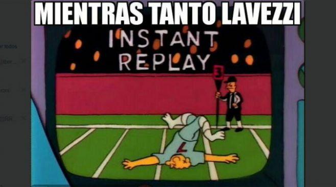 Lavezzi chocó un cartel, se fracturó y ya están los memes…