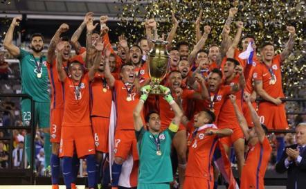 Chile repite tras derrotar a Argentina en los penales