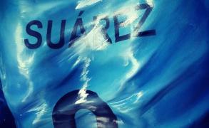 Presentan en Salto estatua de Luis Suárez en tamaño real