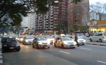 """Suatt: """"El nivel salarial de los taxistas ha comenzado a bajar"""""""