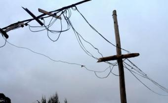 El ciclón dejó 21.000 clientes sin suministro de electricidad