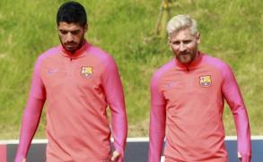 Messi dejó pintado a Suárez con un tremendo caño