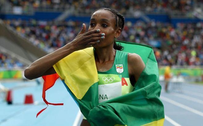 Ayana, oro en 10.000 con nuevo récord mundial. Twitter Río