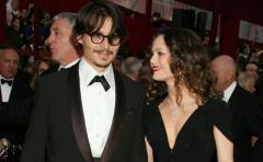 Familiares de Johnny Depp quieren que se reconcilie